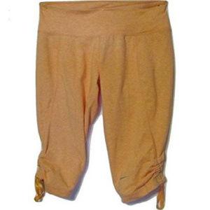 NWT Nike Womens Peach Caliente Capri Pants S